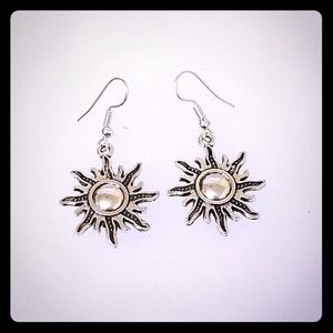 Sun pendant earrings